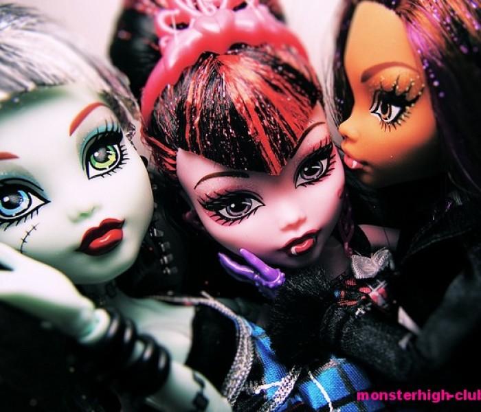 Смогла бы ты стать подругой Дракулауры — Тесты Monster High