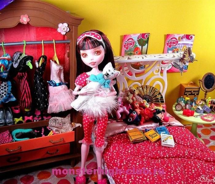 Тест: Спальня в стиле Monster High
