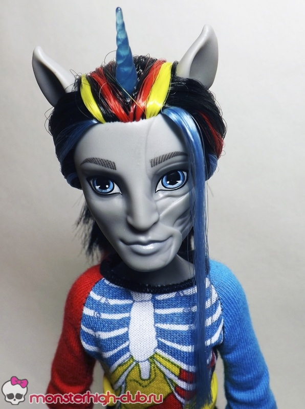 monster-high-neightan-rot-04