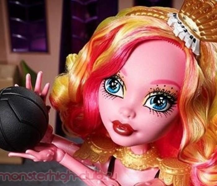 Первые фото новых кукол Monster High