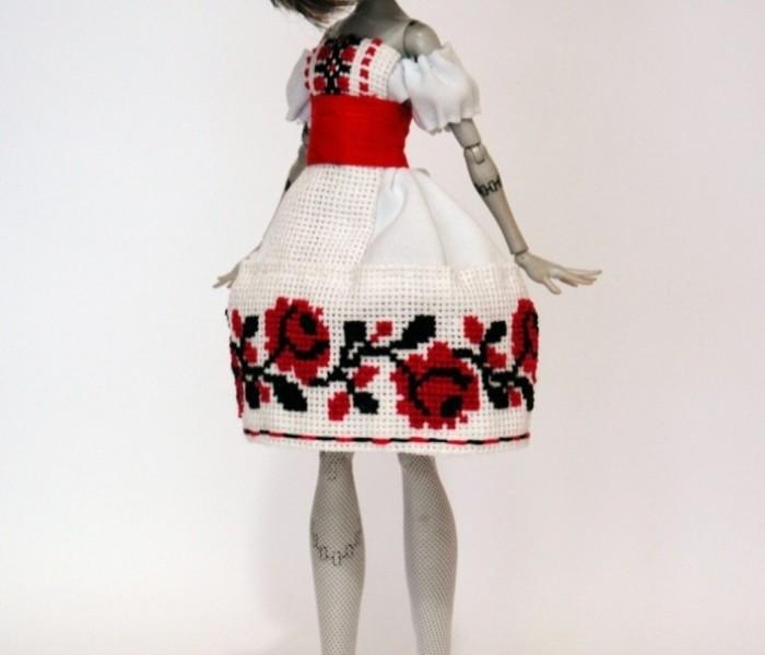 Мастер класс летнее платье для кукол Monster High с элементами украинской вышиванки