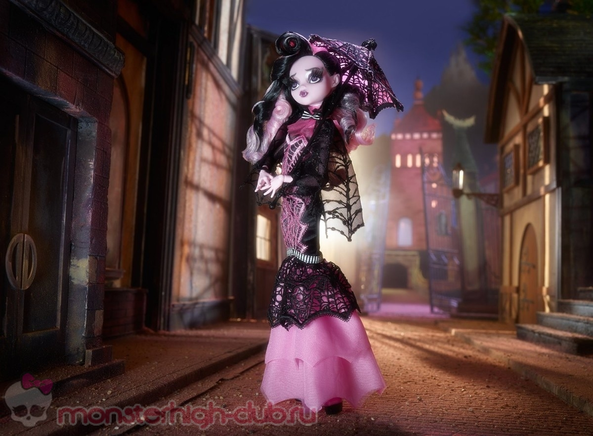 monster_high_club_sweet_1600_collector_s_doll_draculaura_promo_2015 (11)