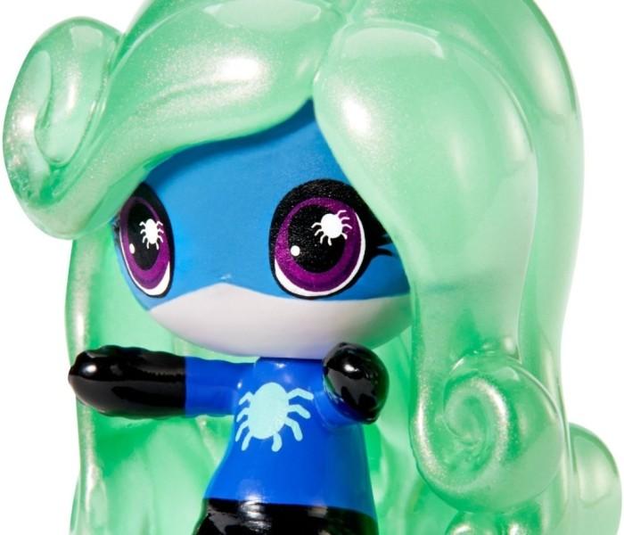 Промо-фото мини-фигурки Твайлы Бугимен Monster High Minis из коллекции Power Ghouls