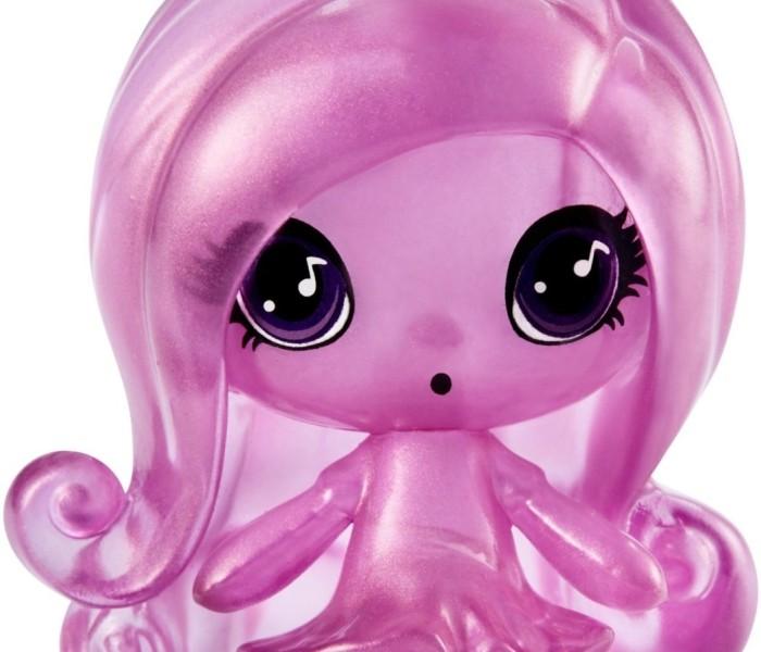Промо-фото Monster High Minis из коллекции Getting Ghostly — Твайла, Клодин и Ари Хонтингтон