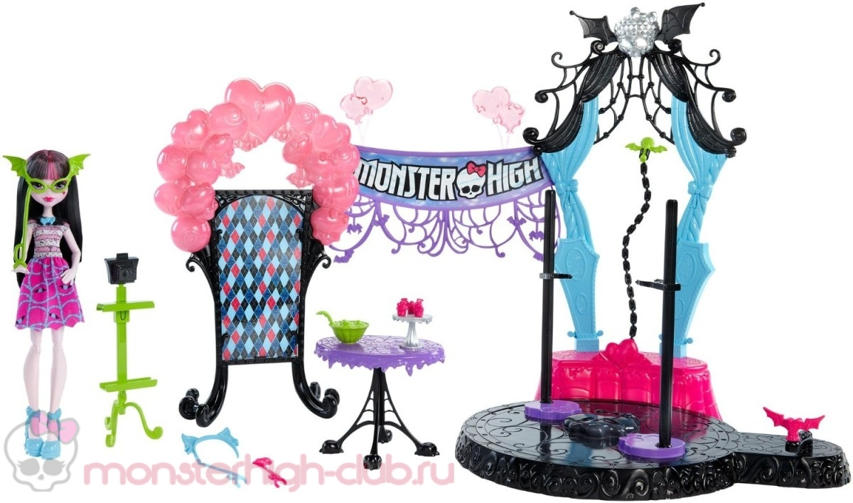 monster_high_welcome_to_monster_high_dance_the_fright_away_playset_promo (1)