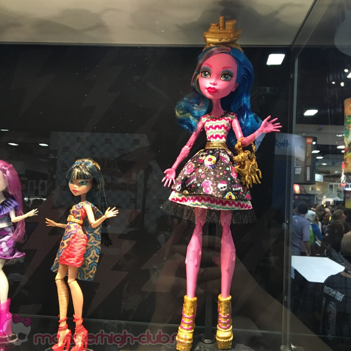monster_high_club_sdcc_2016_monster_high_shriek_wrecked_minis_gooliope_mermaid_figures (14)