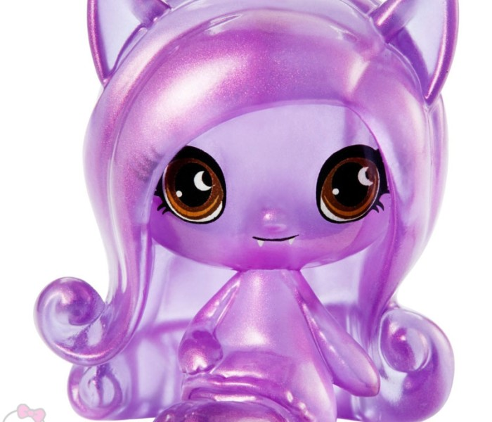 Промо-фото Monster High Minis из коллекции Getting Ghostly Ghouls — Твайла, Дракулаура, Клодин, Джинафаер, Рошель, Ари