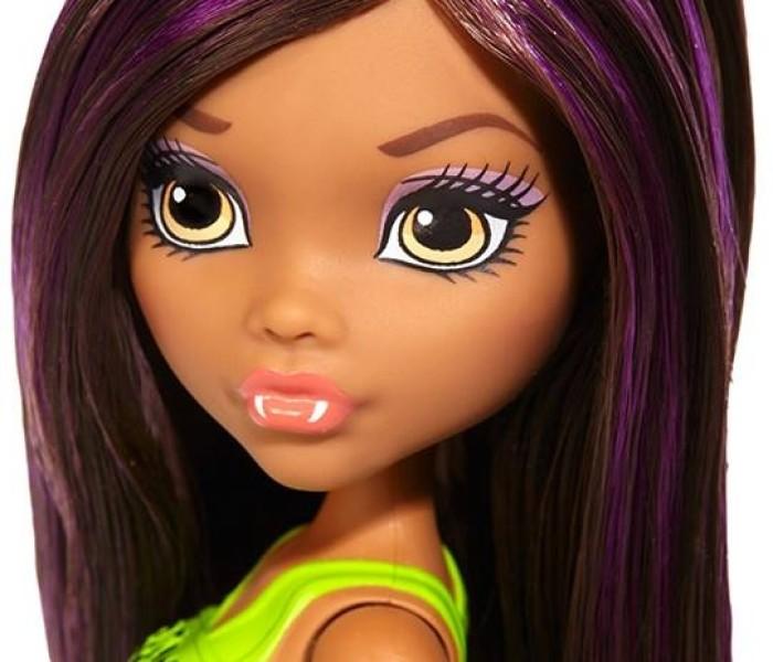 Промо-фото ультрабюджетной куклы Клодин Вульф из коллекции «Cheerleaders/Чирлидеры»