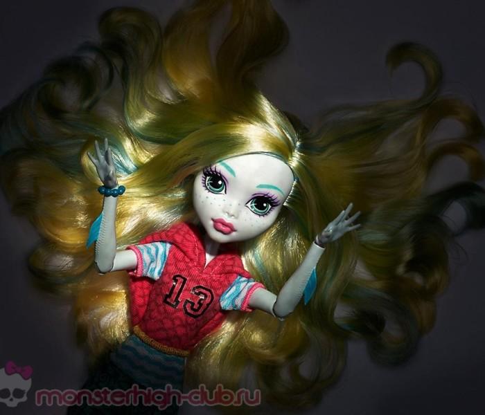 Промо-фото второй волны кукол из коллекции «First Day in School» — Лагуна Блю, Клео де Нил, Клодин Вульф