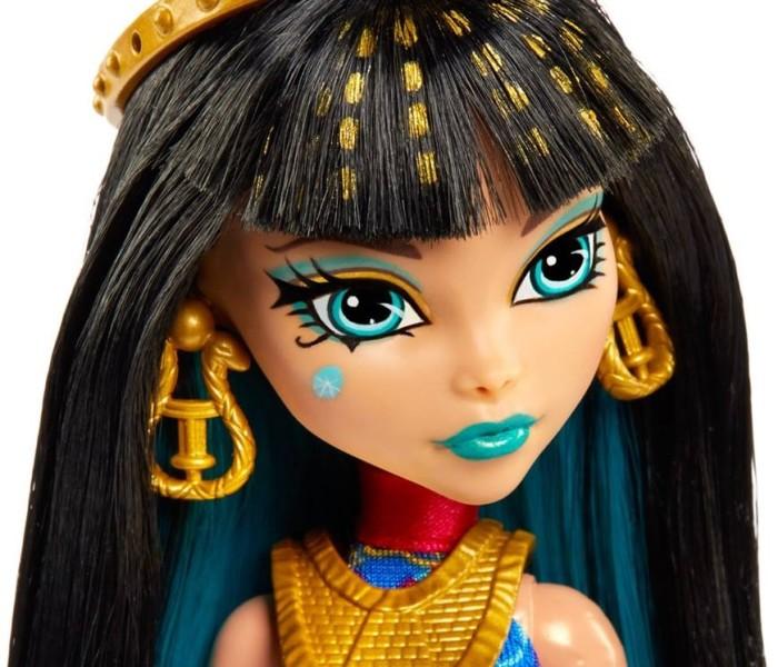 Промо-фото кукол Monster High из бюджетной коллекции Music Class — Клео де Нил и Ари Хонтингтон