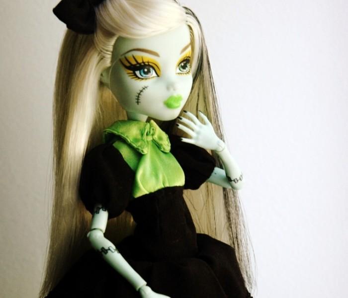 Платье, гольфы и бант в стиле «Лолита» для кукол Monster High