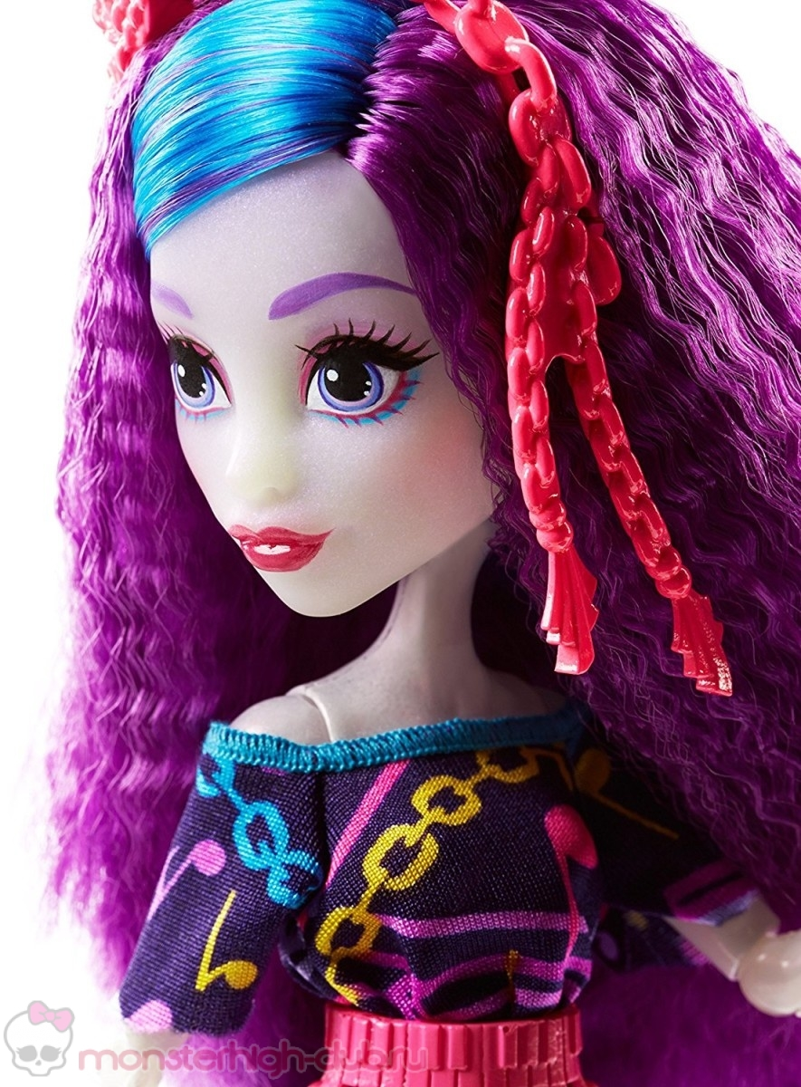 monster_high_ari_hauntington_promo_electrified_2016-new-doll (5)