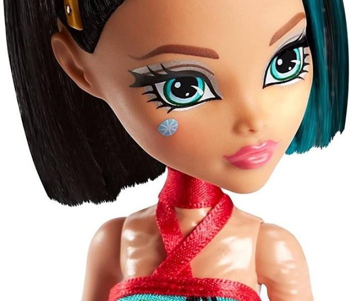 Промо-фото новой куклы Monster High —  Клео де Нил «Dessert»