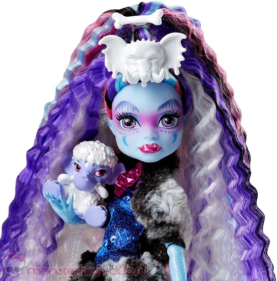 monster_high_abbey-bominable_exclusive_2017_doll (1)