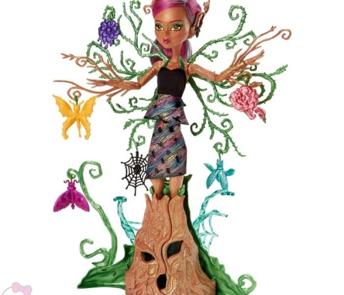 Промо-фото кукол Garden Ghouls: Триза Торнуиллоу и Garden Pixies (Садовые пикси): Файра Спаркс, Жада Хайндвинг и Бианка Стингер